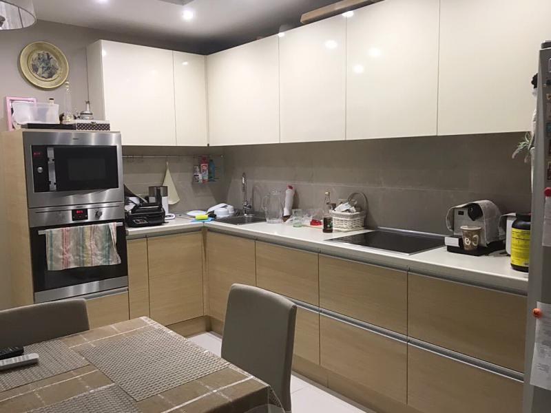 кухня в двух цветах